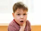 Что делать, если ребенок подавился? Видео-инструкция